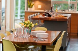 现代简约风格餐厅复式公寓豪华型红木家具餐桌效果图