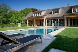 带泳池的东南亚别墅
