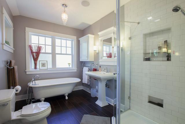 简单实用白色地毯4平方卫生间装修