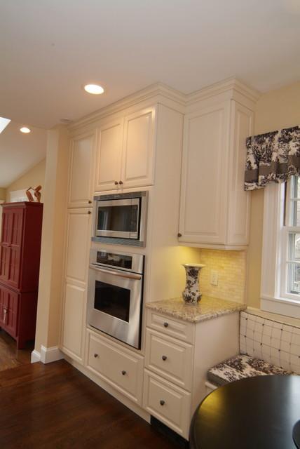 时尚白色欧式家具橱柜定做