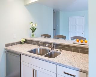 卧室温馨白色橱柜2013家装厨房洗手台效果图
