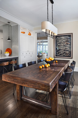 现代简约风格餐厅美式别墅及现代时尚实木餐桌图片
