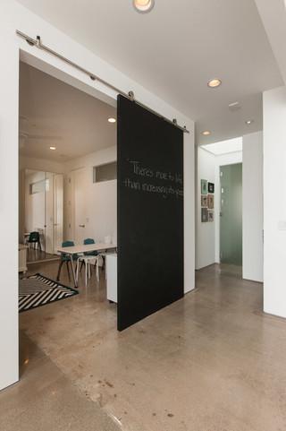 现代简约风格厨房阳台实用黑白红室内省钱2013客厅窗帘现代客厅隔断二手房家居图片
