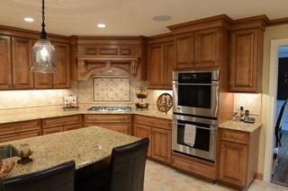 豪华暖色调5平方厨房整体橱柜效果图