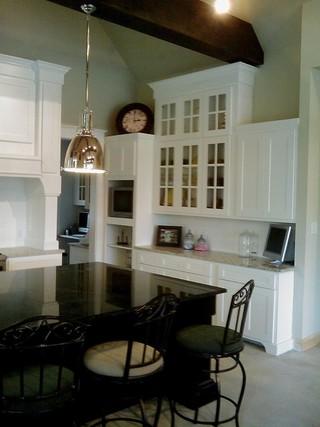 美式风格客厅三室一厅户型豪华厨房经济型橱柜设计图