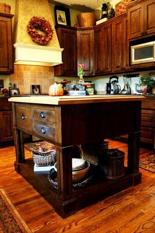 现代美式风格三室一厅装修效果豪华经济型客厅茶几地毯效果图