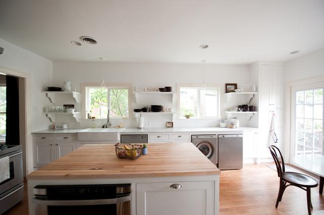 浪漫婚房布置原木色家居4平米小厨房实木餐桌效果图