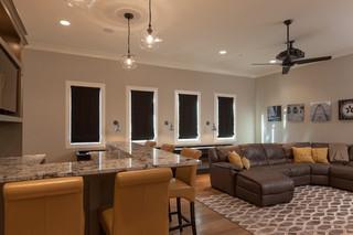 现代美式风格暖色调豪华型2013客厅窗帘客厅过道吊顶效果图