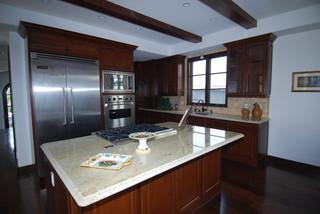 大气原木色5平方厨房大理石餐桌图片