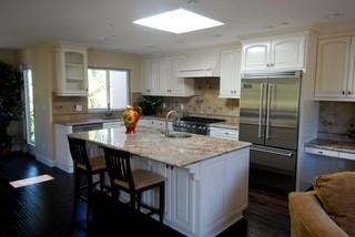 浪漫婚房布置暖色调 6平方厨房家庭过道橱柜效果图