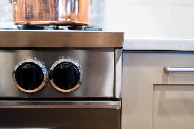 金属风格烤箱