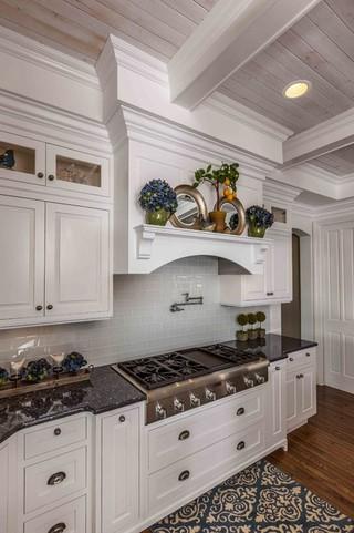 混搭风格客厅小户型公寓白色家居装修露台玄关柜效果图