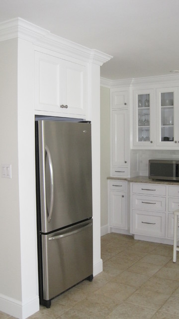 房间欧式风格白色门经济型小家电效果图