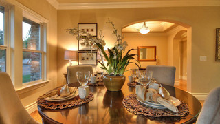 欧式风格暖色调100平米的房子半开放式厨房折叠餐桌图片