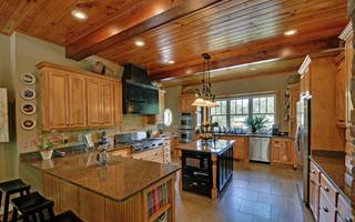舒适原木色家居6平米厨房过道吊顶橱柜定做
