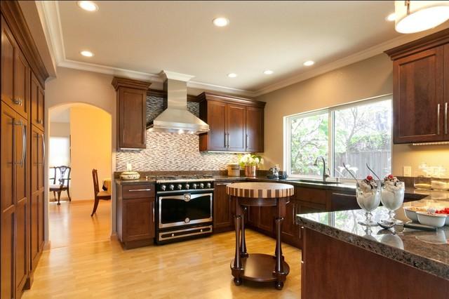 欧式风格卧室富裕型2013厨房吊顶装修效果图