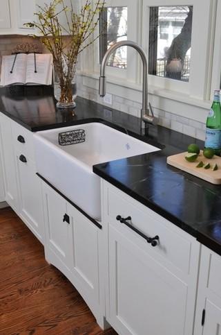 现代欧式风格富裕型洗手台效果图