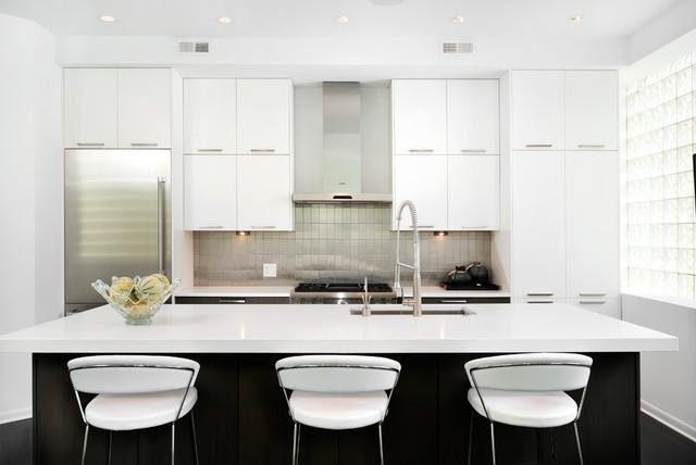 现代简约风格客厅白色厨房经济型客厅与餐厅隔断装修-您正在访问第3图片