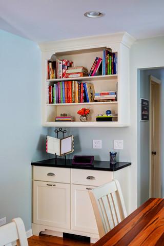 欧式风格卧室卧室温馨富裕型工作区装修效果图