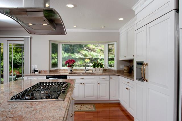 舒适白色地毯富裕型4平方厨房装修效果图