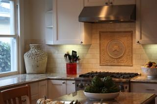 欧式简约风格经济型130平米家庭开放式厨房吧台装修
