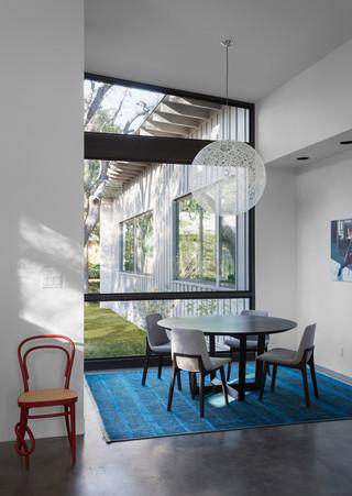 简约风格客厅经济型130平米三室两厅红木家具餐桌图片