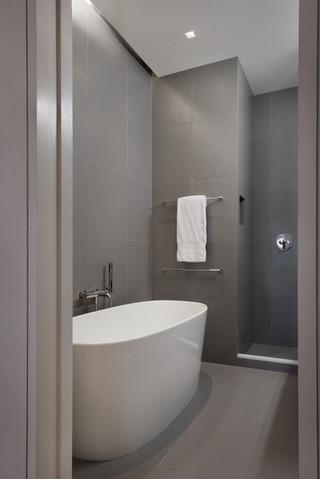 简约风格客厅经济型130平米家庭独立式浴缸效果图
