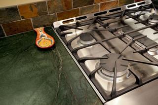 精心改造的厨房装饰