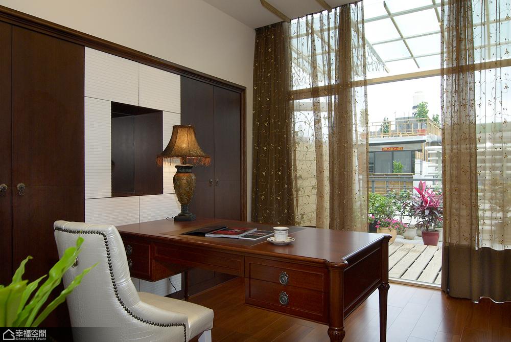 法式风格别墅奢华书房装修