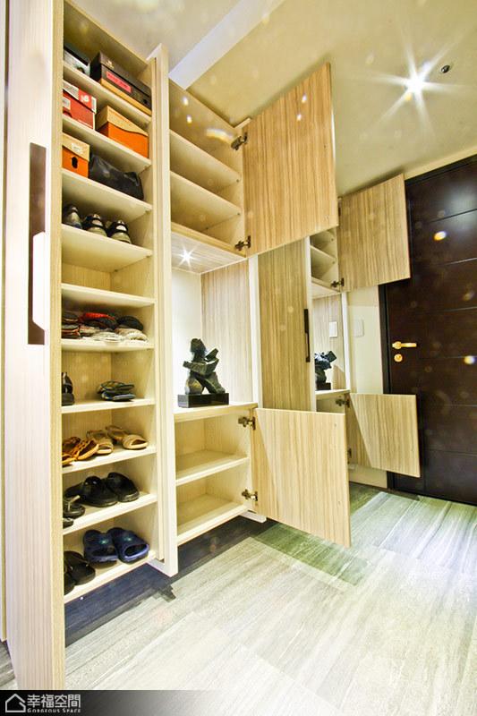 公寓里的鞋柜图片10