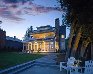 夏普伦湖旁的传统欧式风格别墅