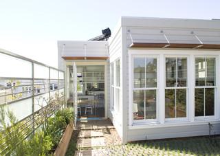 欧式简约风格经济型140平米以上卧室露台装修效果图