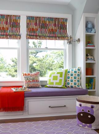 现代简约风格一层半小别墅小清新白色门卧室地台装修效果图