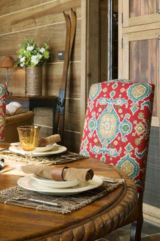 新古典风格卧室2013别墅及客厅古典咖啡色装修效果图