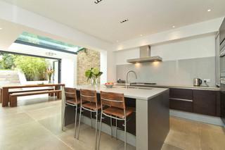 地中海风格室内三层独栋别墅大气白色欧式家庭小吧台设计图纸