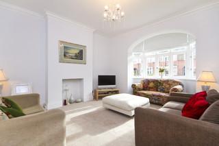 地中海风格三层别墅大气白色欧式家具客厅沙发图片