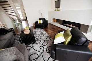 现代简约风格卫生间3层别墅唯美白色橱柜名牌布艺沙发图片
