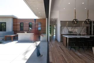 美式风格三层平顶别墅简洁卧室原木色家居装修效果图