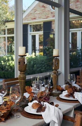 欧式风格2013二居室稳重咖啡色客厅和餐厅的效果图