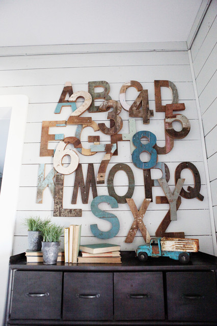 北欧风格卧室小复式房艺术家具浮雕背景墙设计
