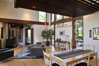与自然结合的舒适别墅