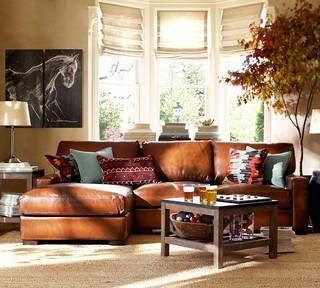 日式风格三层连体别墅温馨暖色调两用沙发床效果图