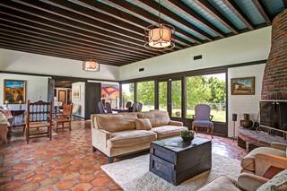 欧式风格卧室一层半小别墅中式古典绿色橱柜三人沙发图片