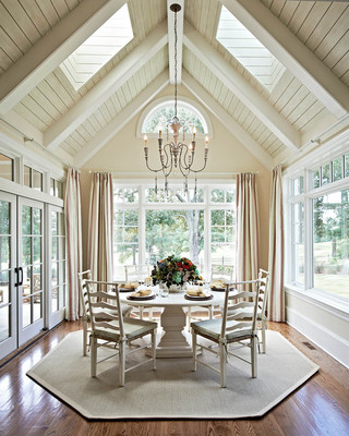 房间欧式风格一层半别墅唯美白色地毯底楼阳光房改造