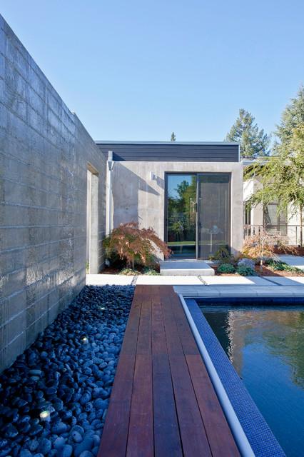 现代简约风格三层别墅及实用卧室白色地毯效果图