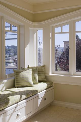 现代简约风格2013二居室稳重白色简约厨房在阳台的装修效果图