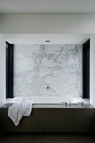 欧式简约风格富裕型140平米以上嵌入式浴缸效果图