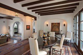 现代欧式风格豪华型140平米以上实木圆餐桌图片
