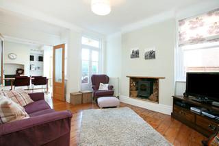 简欧风格白色系客厅及厨房装修