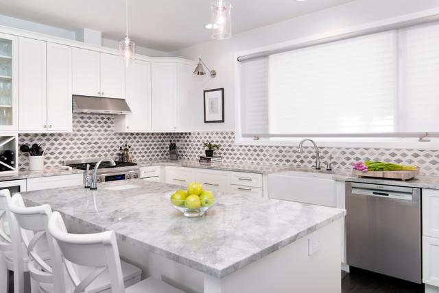 白色系现代风开放式厨房及餐厅设计